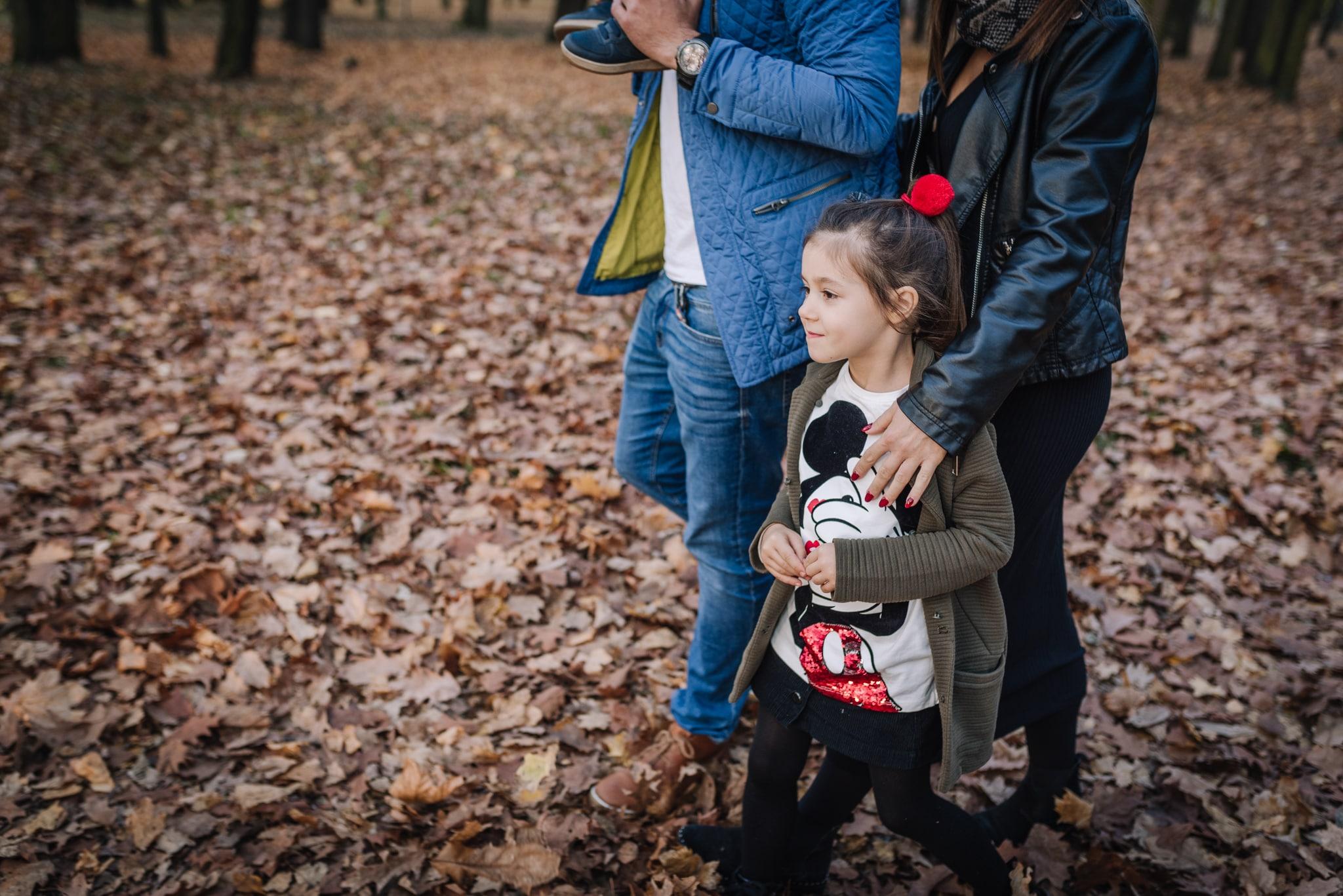 rodzinny spacer po parku