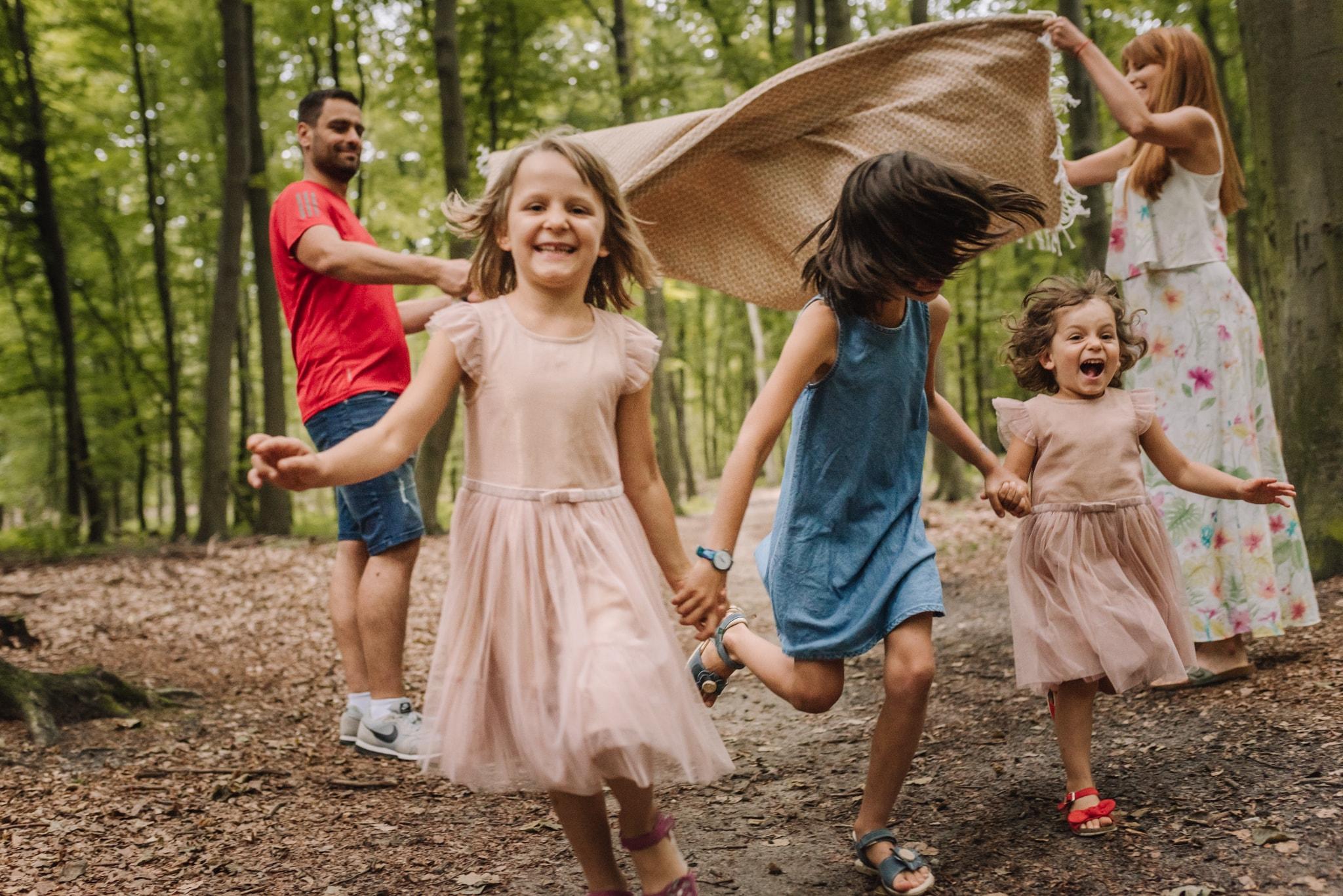 zabawy dla dzieci w lesie